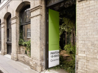 greenery-house-architecture-design-pantone-airbnb-london_00