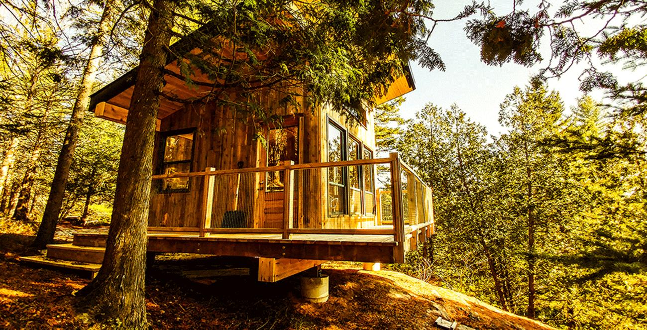 S journez dans des wagons de berger et des cabanes for Architecte quebecois contemporain