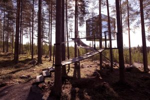 mirror-cube-archtiecture-design-treehotel 01