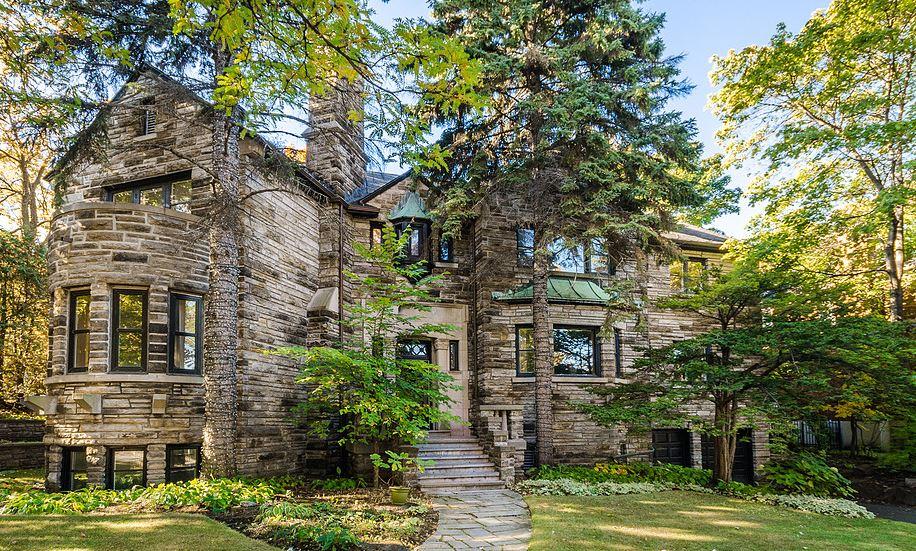 cette grandiose demeure d 39 outremont est en vente pour une premi re fois en 45 ans joli joli design. Black Bedroom Furniture Sets. Home Design Ideas