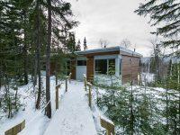 La Clairière – une impressionnante maison unifamiliale en bois dans Charlevoix