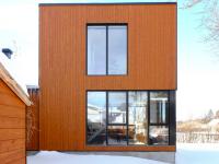 « Granny House » – Incroyable agrandissement d'une maison unifamiliale à Vaudreuil