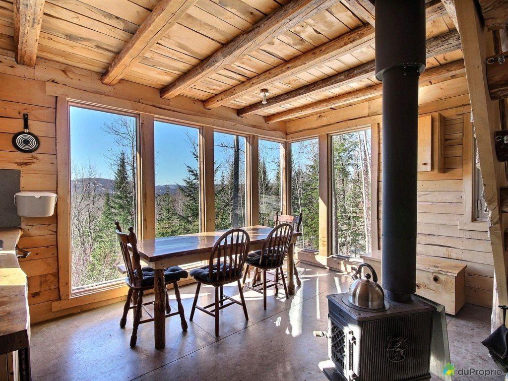 un magnifique mini chalet en bois naturel est vendre st c me joli joli design. Black Bedroom Furniture Sets. Home Design Ideas