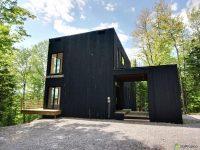 Magnifique maison en harmonie avec la nature à vendre au Lac Beauport