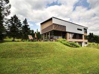 Magnifique maison à trois étages à vendre dans Charlevoix
