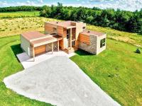 Superbe maison contemporaine en vente à 625 000$ en Estrie