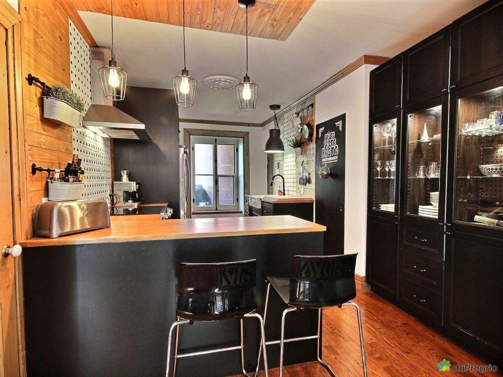 une magnifique condo centenaire situ dans le vieux qu bec joli joli design. Black Bedroom Furniture Sets. Home Design Ideas