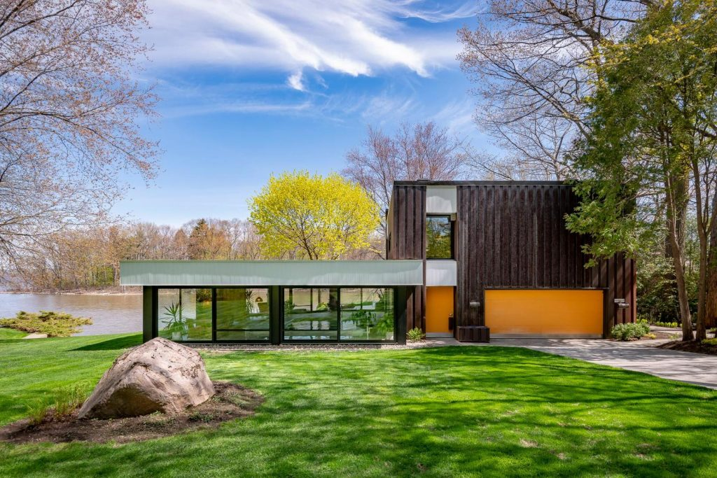 Prestigieuse Maison Au Bord De L Eau A Vendre A Vaudreuil Sur Le Lac Joli Joli Design